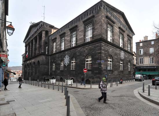 市政厅.jpg
