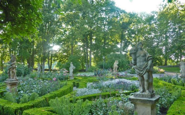 城堡花园.jpg